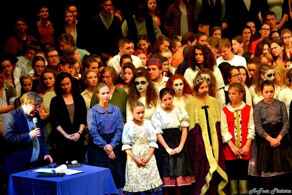 Ádámok és Évák ünnepe a Nemzeti Színházban